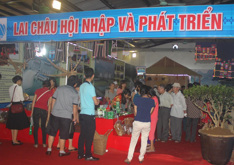 Mời các doanh nghiệp Lai Châu tham gia Hội chợ Quốc tế thương mại, du lịch và đầu tư Hành lang kinh tế Đông Tây (EWEC) Đà Nẵng 2020; Hội chợ Triển lãm, hàng công nghiệp nông thôn tiêu biểu khu vực phía Nam năm 2020 tại Vĩnh Long