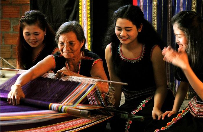 Kon Tum: Tổ chức cuộc thi thiết kế mẫu sản phẩm lưu niệm văn hóa - du lịch